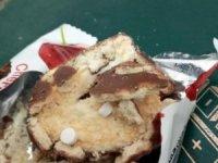 İran'da bazı keklerin içerisine hap gizlendiği iddiası korkuttu