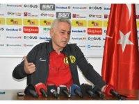 Eskişehirspor Teknik Direktörü Demirbakan'dan camiaya 'Mustafa Denizli' göndermesi