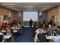 Mersin'de 'AIDS ve HIV' ile mücadele yöntemleri konuşuldu