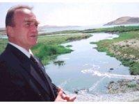 Eski Çevre Bakanına dolandırıcılık şoku