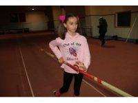 Türkiye'de 1.70 atlayan ilk kız çocuğu
