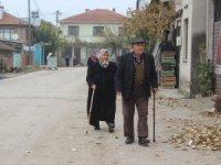 Köye diyetisyen geldi, zayıflamak isteyen kadınlar sıraya girdi