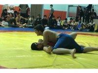 Adilcevazlı öğrenciler güreş müsabakalarında il birincisi oldu