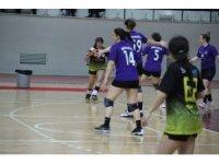 Hentbol Kadınlar Türkiye Kupası: Üsküdar Belediyesi: 37 - Elazığ Sosyal Yardımlaşma: 24