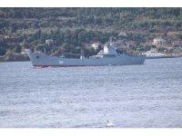 Rus donanmasına ait 2 savaş gemisi Çanakkale Boğazı'ndan geçti