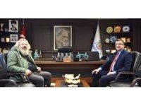 Seksenler dizisinin Basri ağabeyi Başkan Öz'ü ziyaret etti