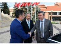 Kazakistan Büyükelçisi Saparbekuly, Anadolu Üniversitesini ziyaret etti