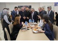 Protokolden Yesevi Kız Öğrenci Yurdu'na ziyaret