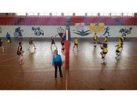 Van Kadın Voleybol Takımı Mardin'den 3 puanla döndü