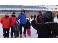 Vali Memiş, kayak severleri Palandöken'e davet etti