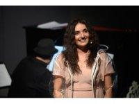 Ünlü Türk sanatçıdan ABD'de yabancı dilde müzikal