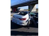 Mersin'de otomobil tıra çarptı: 1 ölü, 3 yaralı