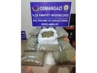 Kiralık araçtan 15 kilo uyuşturucu çıktı