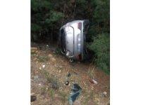 Otomobil ağaçlık alana uçtu: 1 yaralı