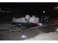Kontrolden çıkan otomobil ağaca çarparak devrildi: 2 yaralı