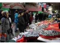 Elazığ'da deniz ile göl balığı rekabeti