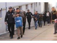 Polisin kurye olup takip ettiği, tamirci olup yakaladığı zanlılar adliyeye sevk edildi