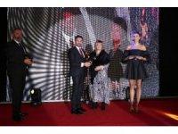 Başkan Yüzügüllü'ye Kültür ve Turizm Ödülü