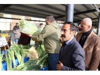 Bolu'da, ihtiyaç sahipleri için halk pazarında yardım tezgahı kuruldu