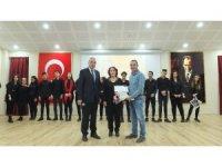 Lise öğrencilerinin Dünya İnsan Hakları Günü özel kutlama programı