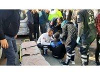 Motosiklet ile hafif ticari araç çarpıştı: 1 yaralı