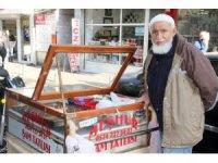 Yarım asırdır Şam tatlısı satıyor