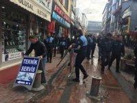 İpekyolu Belediyesinden seyyar satıcılara müdahale
