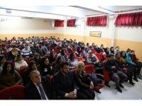 Prof. Dr. Ersan Bocutoğlu, Hopa ve Kemalpaşa'da öğrencilerle buluştu