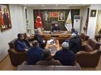 Başkan Gür, vatandaşların sorunlarını dinliyor