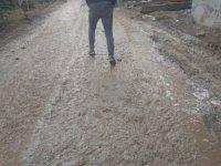 Sason'da inşaat çalışmaları caddeyi çamur deryasına çevirdi