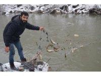Eksi 18 derecede balık tutuyorlar