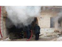 Ortahisar'da depo yangını