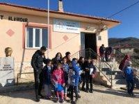 Ultraslan yöneticileri köy çocuklarını sevindirdi