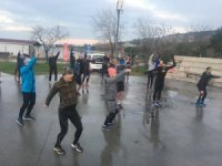 Kartallılar soğuğa aldırış etmeden sabah sporunda buluştu