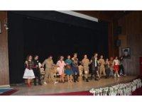 """Iğdır'da """"Şapka"""" adlı tiyatro gösterisi düzenlendi"""