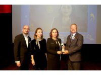 MTOSB'nin kadın sanayicisine 'hizmet ödülü' verildi