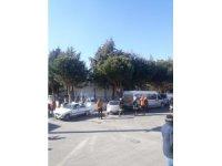 Çarpışan otomobiller park halindeki başka araca çarptı: 3 yaralı