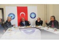 Kurum ve kuruluş temsilcileriyle istişareler sürüyor