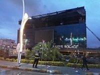 Kocaeli'de AVM'de yangın 4 saatte kontrol altına alındı