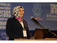 """Dr. Öğr. Üyesi Seher Akdeniz: """"Karneleri başarısız olan çocuklara destek olunmalı"""""""