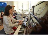 Yeni yıl piyano konseri beğeni topladı