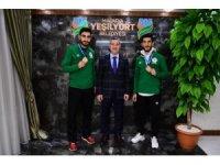 Başkan Çınar, başarılı sporcuları tebrik etti