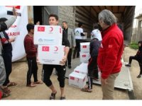 Kızılay Kerkük'te Telaferli göçmenlere gıda yardımı yaptı