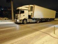 Yozgat'ta yollar buz pistine döndü, sürücüler zor anlar yaşadı