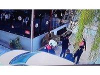 Polisin uyuşturucu araması güvenlik kamerasında