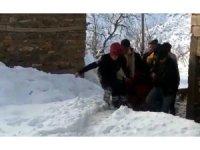 Siirt'te ekipler hasta kadın için seferber oldu
