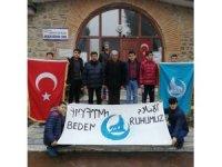 Osmancık'lı gençler ilçedeki camileri temizliyor