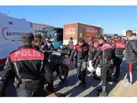 Antalya'da trafik kazasında 2 polis memuru yaralandı