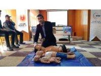 Gazeteciler ve din görevlilerine ilk yardım eğitimi