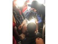 Uçakta fenalaşan yolcuya ilk müdahaleyi Milletvekili Çelebi yaptı
